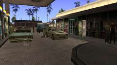Busy gas station in Los Santos