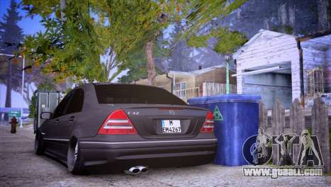 Mercedes-Benz C32 AMG for GTA San Andreas left view