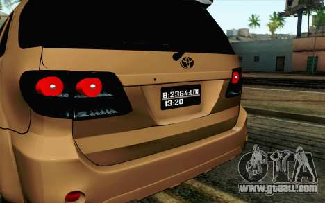 Toyota Fortuner 2014 4x4 Off Road for GTA San Andreas right view