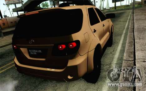Toyota Fortuner 2014 4x4 Off Road for GTA San Andreas left view