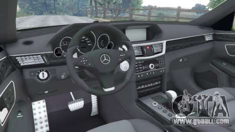 GTA 5 Mercedes-Benz E63 (W212) AMG v1.1 right side view