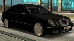 Mercedes-Benz E55 W211 AMG